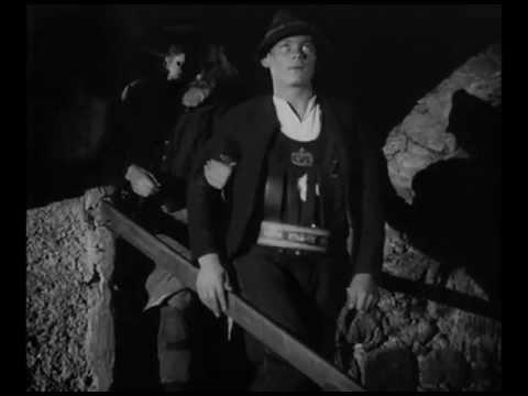 """画像: 1932 Leni Riefenstahl - """"Das Blaue Licht"""" (visual highlights) youtu.be"""
