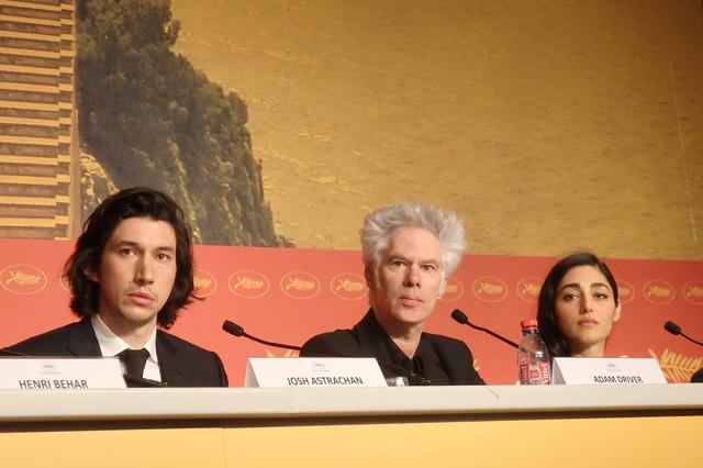 画像: カンヌ国際映画祭『パターソン』公式記者会見: 左からアダム・ドライバー、ジム・ジャームッシュ監督、ゴルシフテ・ファラハニ Photo by Yoko KIKKA