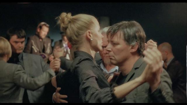 画像: THE OTHER SIDE OF HOPE (Official Trailer, Suomi /deutsch, français) youtu.be