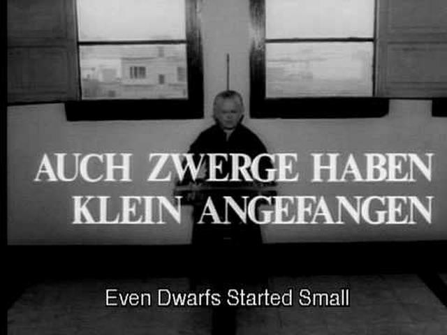 画像: Auch Zwerge haben klein angefangen || German || Trailer || (1969) youtu.be
