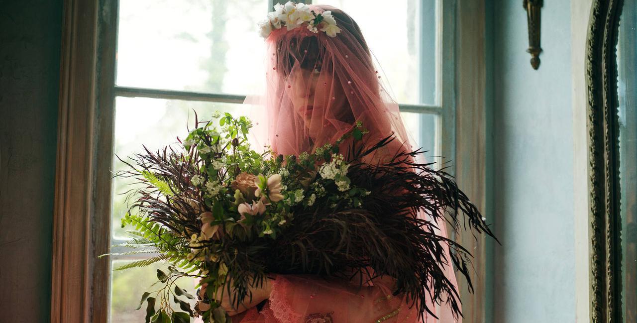 画像: Gucci Stories: Gucci's four-part film series on the Greek myth opens with a dreamy wedding scene.