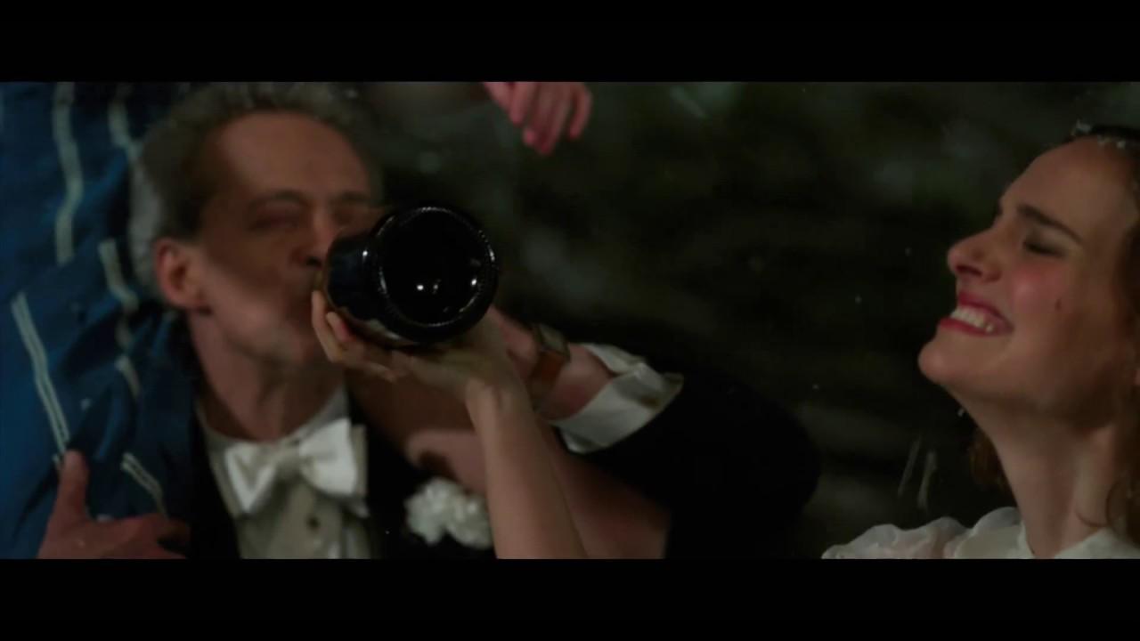 画像: ナタリー・ポートマンとリリー=ローズが雪合戦で大はしゃぎ『プラネタリウム』特別映像 youtu.be