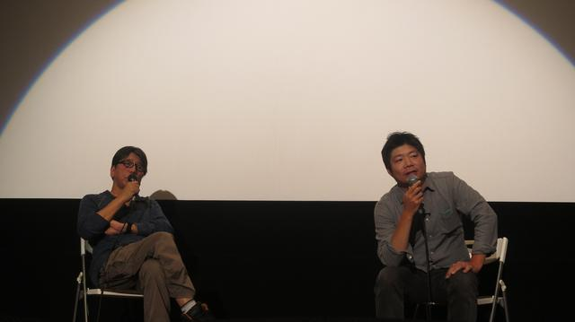 画像: 左より森達也監督、佐藤慶紀監督