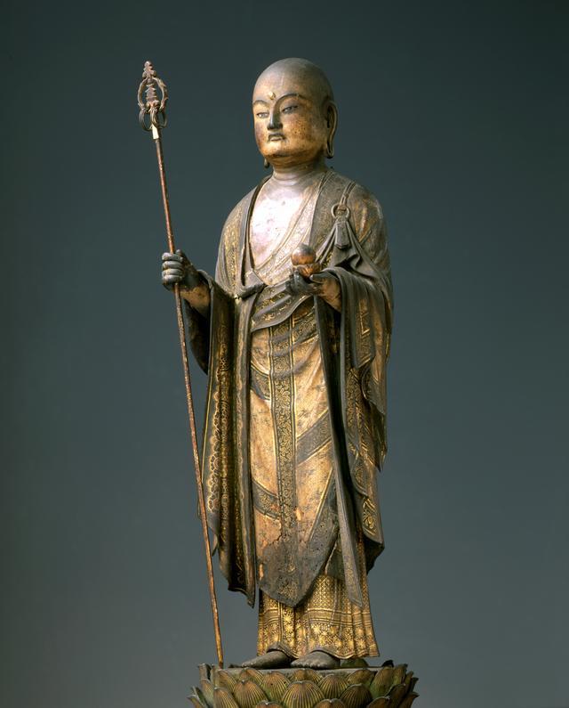 画像: 重要文化財「地蔵菩薩立像」(じぞうぼさつりゅうぞう) 鎌倉時代 13世紀 木造(桧、寄木造)彩色、玉眼、截金 総高73.5 幅32.3 像高52.4cm 展示:全期間
