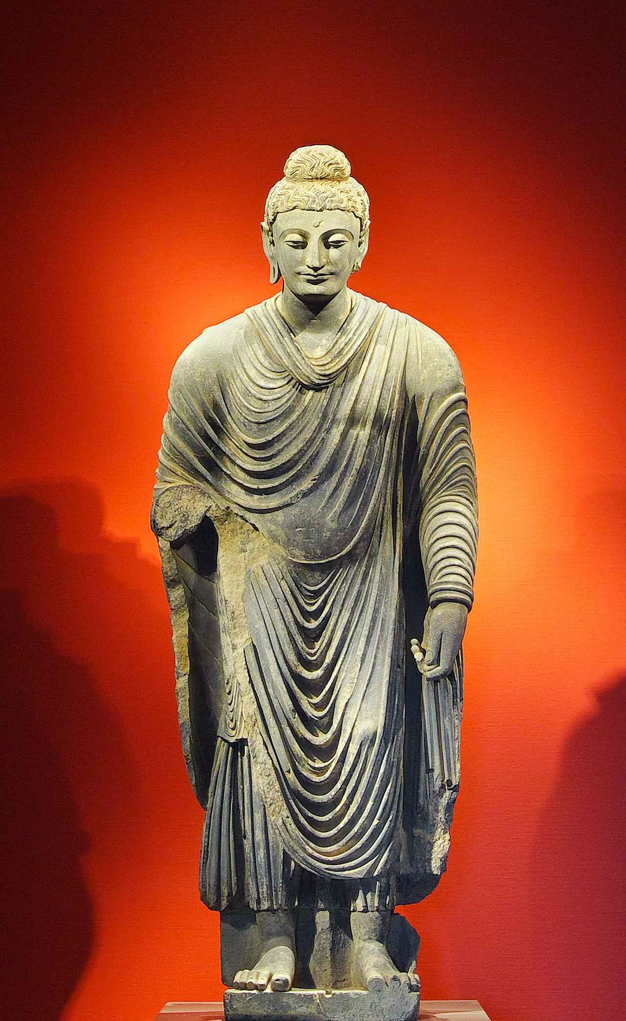 画像: 「仏立像」(ぶつりゅうぞう) 中央アジア ガンダーラ 2世紀後半期 片岩 高250.0cm