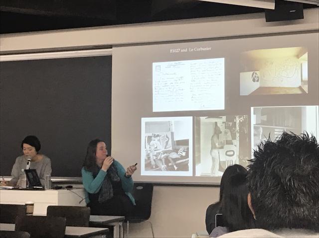 画像: 早稲田大学授業風景 講義するジェニファー・ゴフさん