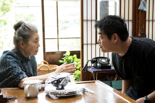 画像: 『モリのいる場所』メイキング写真 沖田監督と樹木希林 (c)2017「モリのいる場所」製作委員会