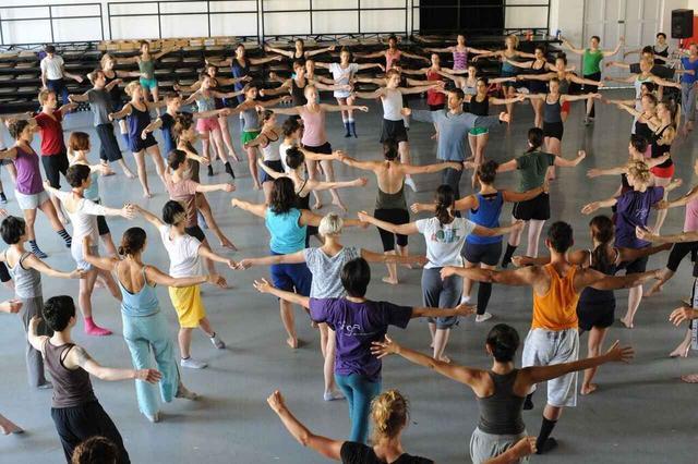 画像1: 『ミスター・ガガ 心と身体を解き放つダンス』 10/14(土)よりシアター・イメージフォーラムほか全国順次公開