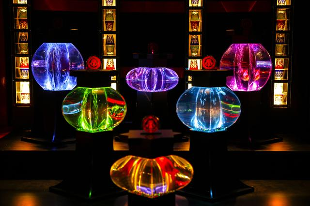 画像4: アートアクアリウム城(2014年)※過去の展覧会の様子 写真提供:Art Aquarium