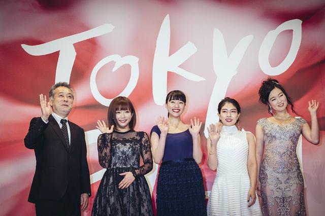 画像: 左より瀬々敬久監督、原作者の紗倉まなさん、山田愛奈さん、主演の森口彩乃さん、佐々木心音さん。