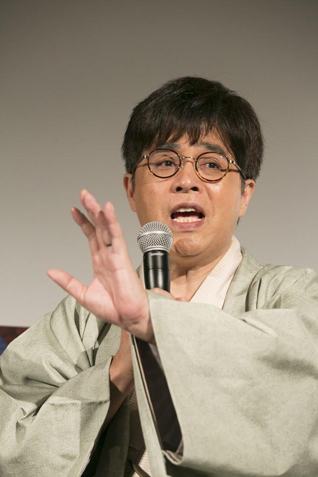 画像: ●立川志らく氏 プロフィール 1963年生まれ、東京都出身。1985年立川談志に入門、1988年二つ目昇進、1995年真打昇進。現在弟子20人を抱える大所帯。落語家、映画監督(日本映画監督協会所属)、映画評論家、エッセイスト、昭和歌謡曲博士、劇団主宰、さらにはTVコメンテーターのレギュラーと幅広く活動。多数の映画コラムを寄稿、中でもキネマ旬報は「立川志らくのシネマ徒然草」を20年以上連載し続けている。また映画を落語にした独自の「シネマ落語」を創り上げ、これまでに70本以上の作品を口演、幅広い世代から支持をうけている。そんな映画への造詣が深い立川志らくが、映画の原点となる本作の日本語ナレーションを担当することとなった。