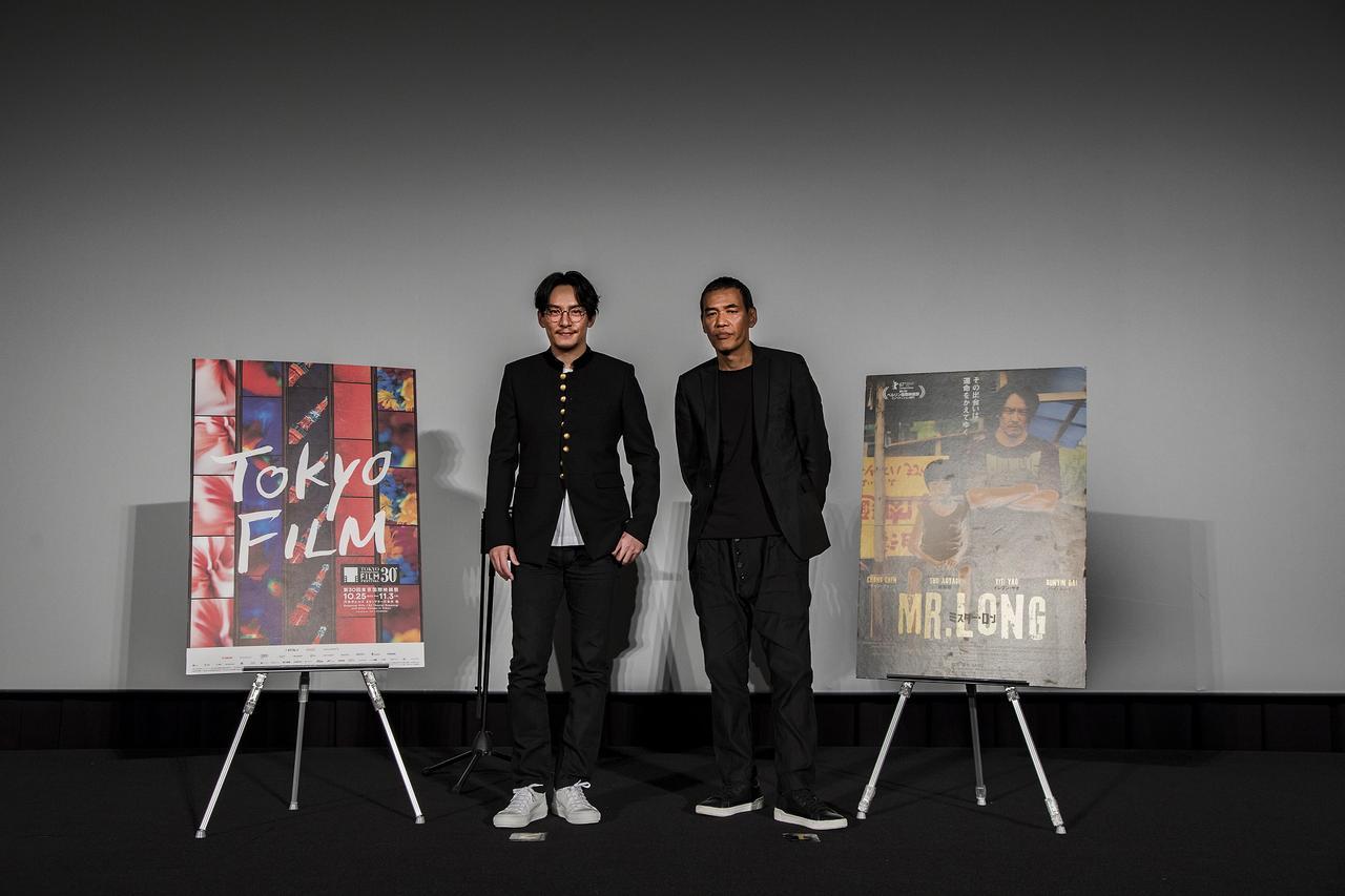 画像2: 左よりチャン・チェン、SABU監督
