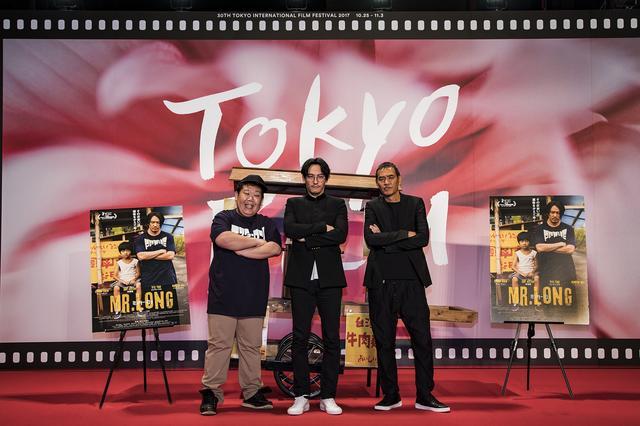 画像: (左)より三中元克、チャン・チェン、SABU監督