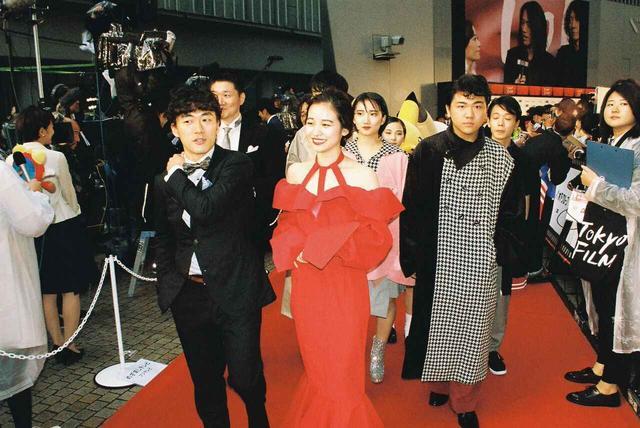 画像1: KEISUKEYOSHIDA のオリジナル衣装で見参!!松居大悟監督『アイスと雨音』東京国際映画祭のレッドカーペットに登場!