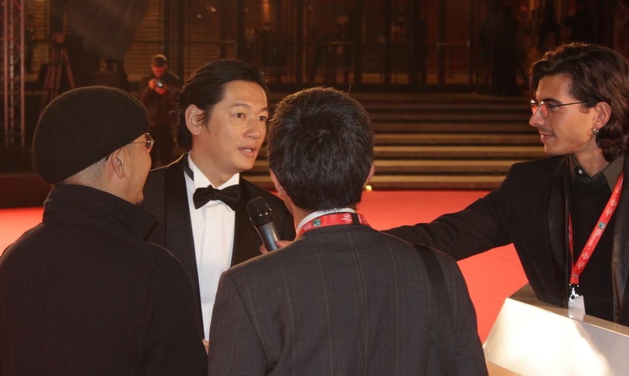 画像: 地元メディアが答える主演の井浦新