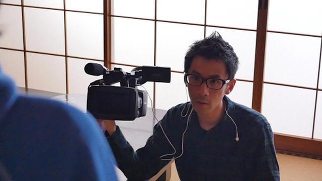 画像: ■松本卓也 プロフィール 東京都出身。映像製作団体「シネマ健康会」代表。動物好き。十代の頃からお笑い芸人として活動、コンビ解散後に完全独学で映画制作の道へと進む。 商業映画も手掛けつつ、独立プロダクション形式で本当に作りたい伝えたい作品を制作し、オリジナリティ溢れる作品を創作。 そうして制作された作品は、国内外70を超える映画祭で受賞。 また、Tシャツ作家としても注目され、松本創作の新潟県 粟島の非公式ゆるキャラ「泡姫ちゃん」は、TV番組にて「ビートたけしのいかがなものか!?賞」を受賞した。