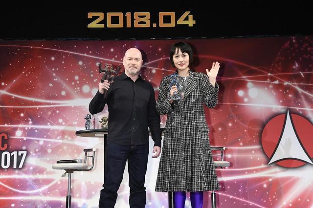画像1: 右より菊地凛子、スティーヴン・S・デナイト監督