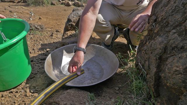 画像: 地熱の蒸気から作られる水