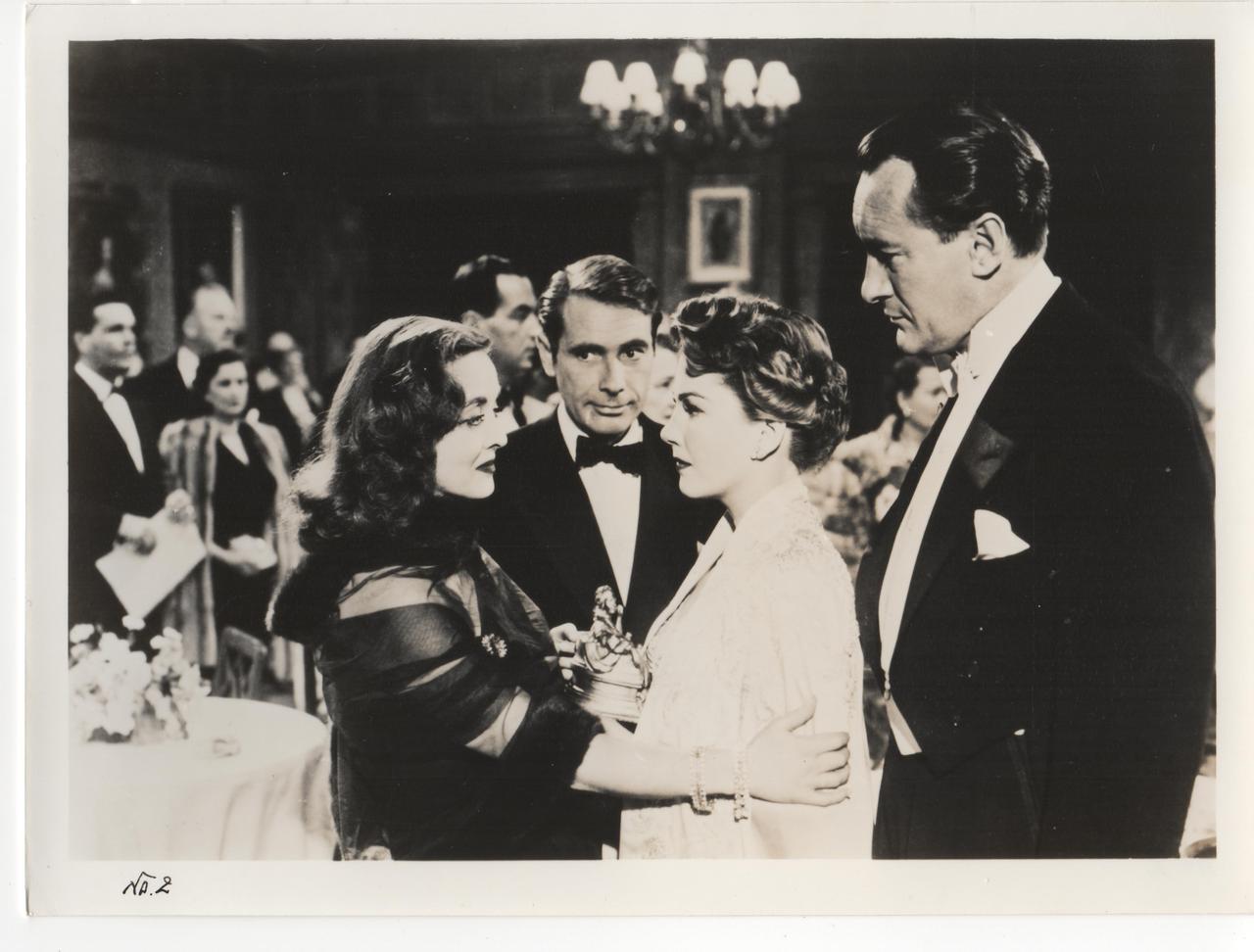 画像: All About Eve © 1951 Twentieth Century Fox Film Corporation. Renewed 1979 Twentieth Century Fox Film Corporation. All rights reserved.