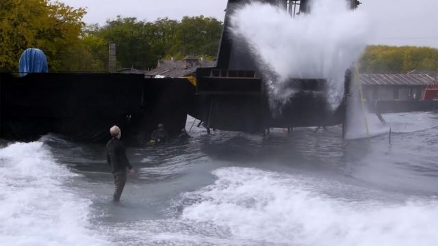 画像: Adam Savage on Blade Runner 2049's Massive Water Set! youtu.be