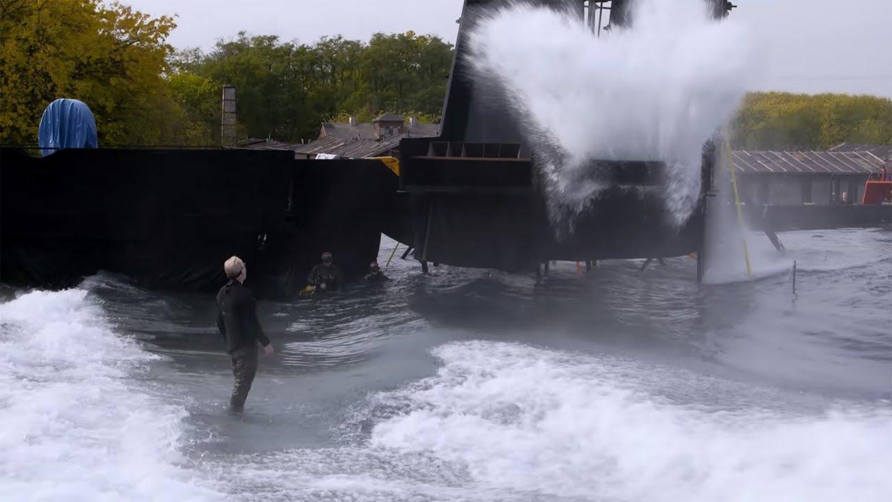 画像: Adam Savage on Blade Runner 2049's Massive Water Set! youtu.be