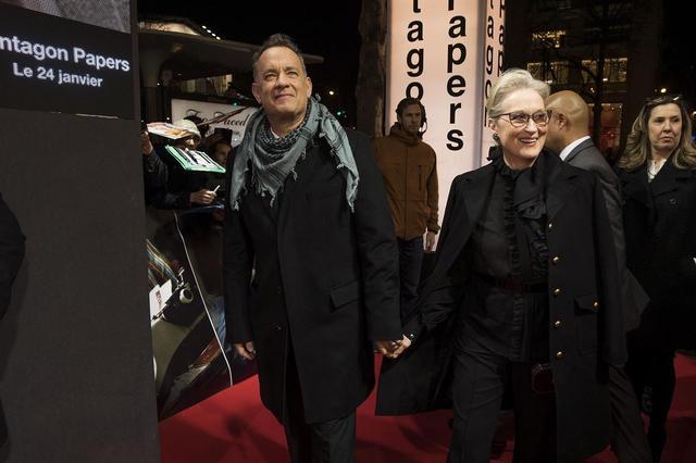 画像: トム・ハンクスとメリル・ストリープのレッドカーペット