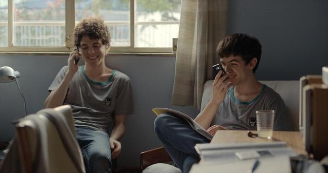 """画像1: 君との出会いが、世界を変えた―ベルリン国際映画祭国際批評家連盟賞&テディ賞受賞!ブラジルの新世代監督が描く""""キラキラ""""の青春映画『彼の見つめる先に』"""