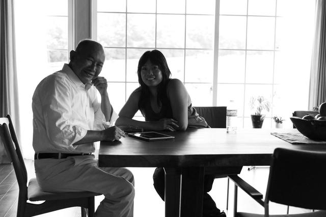 画像: ジョン・ウー監督と、ドーン役で出演している愛娘のアンジェルス・ウー