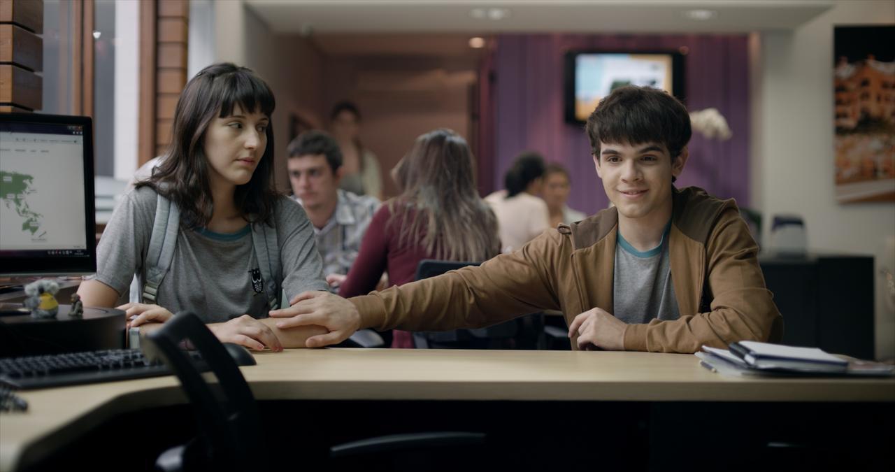 画像: 予告到着!世界中で話題をさらったブラジル発・少年少女のPOP&挑発的な、青春映画の新たな傑作『彼の見つめる先に』