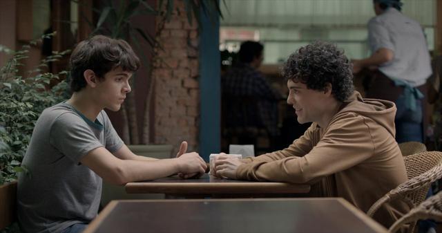 画像11: ブラジルの輝く太陽とベル・アンド・セバスチャンの名曲「トゥー・マッチ・ラヴ」の珠玉のコラボレーションが生んだ、 青春映画の新たなマスター・ピース‼『彼の見つめる先に』