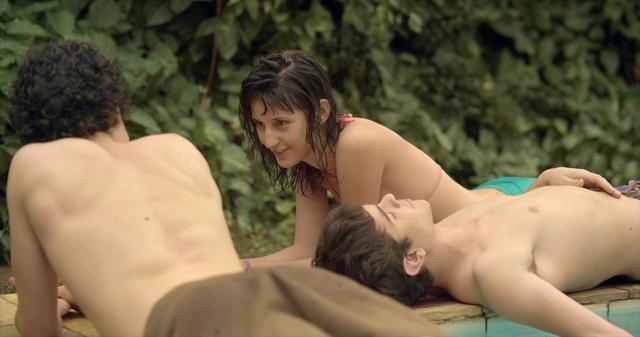 画像5: ブラジルの輝く太陽とベル・アンド・セバスチャンの名曲「トゥー・マッチ・ラヴ」の珠玉のコラボレーションが生んだ、 青春映画の新たなマスター・ピース‼『彼の見つめる先に』
