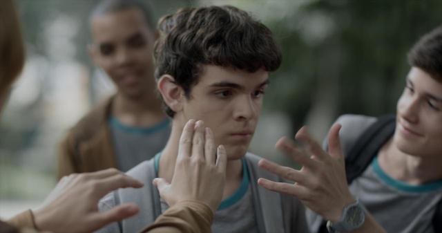 画像4: ブラジルの輝く太陽とベル・アンド・セバスチャンの名曲「トゥー・マッチ・ラヴ」の珠玉のコラボレーションが生んだ、 青春映画の新たなマスター・ピース‼『彼の見つめる先に』