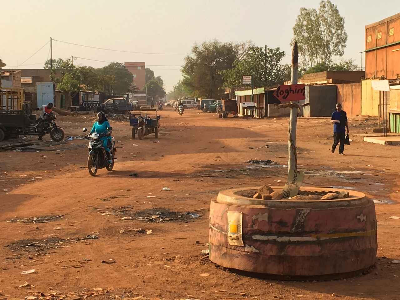 画像: 宿泊していたホテルの前の道路