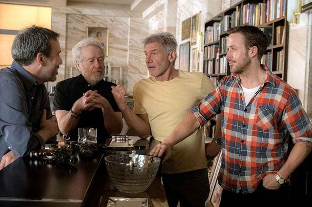画像: 左より、ドゥニ・ヴィルヌーヴ監督、リドリー・スコット監督、ハリソン・フォード、ライアン・ゴズリング (C)2017 Alcon Entertainment, LLC. All Rights Reserved.
