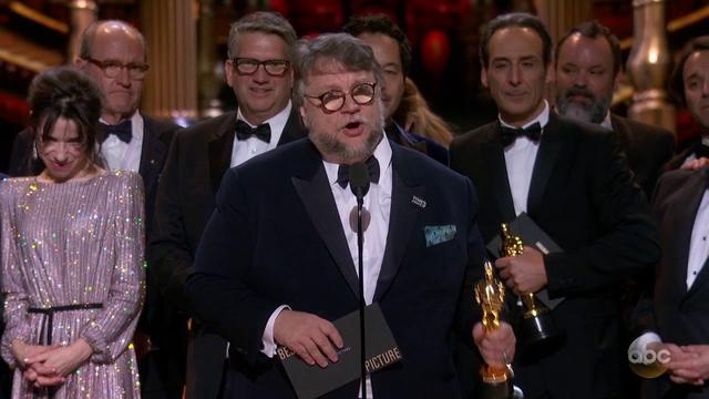 画像: THE SHAPE OF WATER Oscar 2018 Acceptance Speech for Best Picture youtu.be