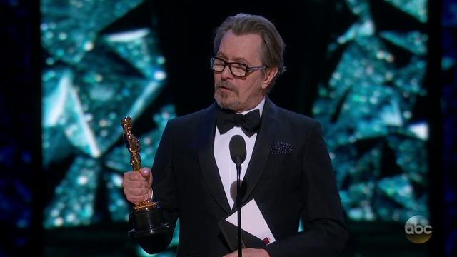 画像: Gary Oldman's Oscar 2018 Acceptance Speech for Actor in a Leading Role youtu.be