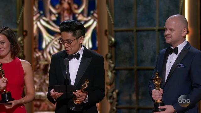 画像: Kazuhiro Tsuji, David Malinowski and Lucy Sibbick's Oscar 2018 Acceptance Speech for Best Makeup and youtu.be