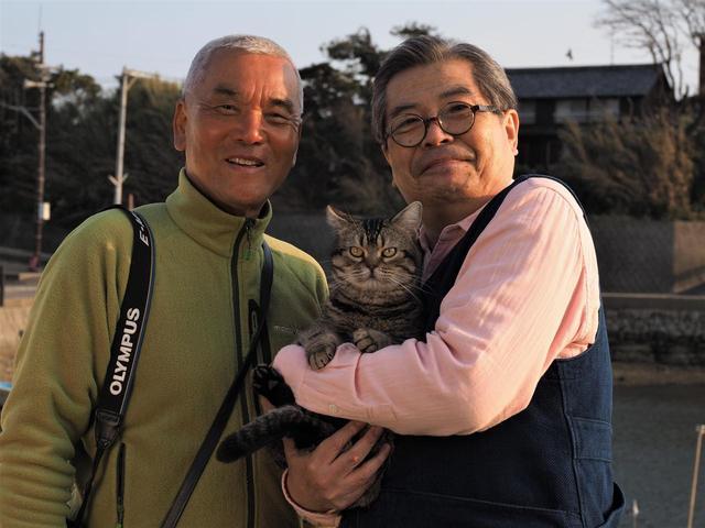 画像: 左より岩合光昭、ベーコンそして大吉演じる立川志の輔