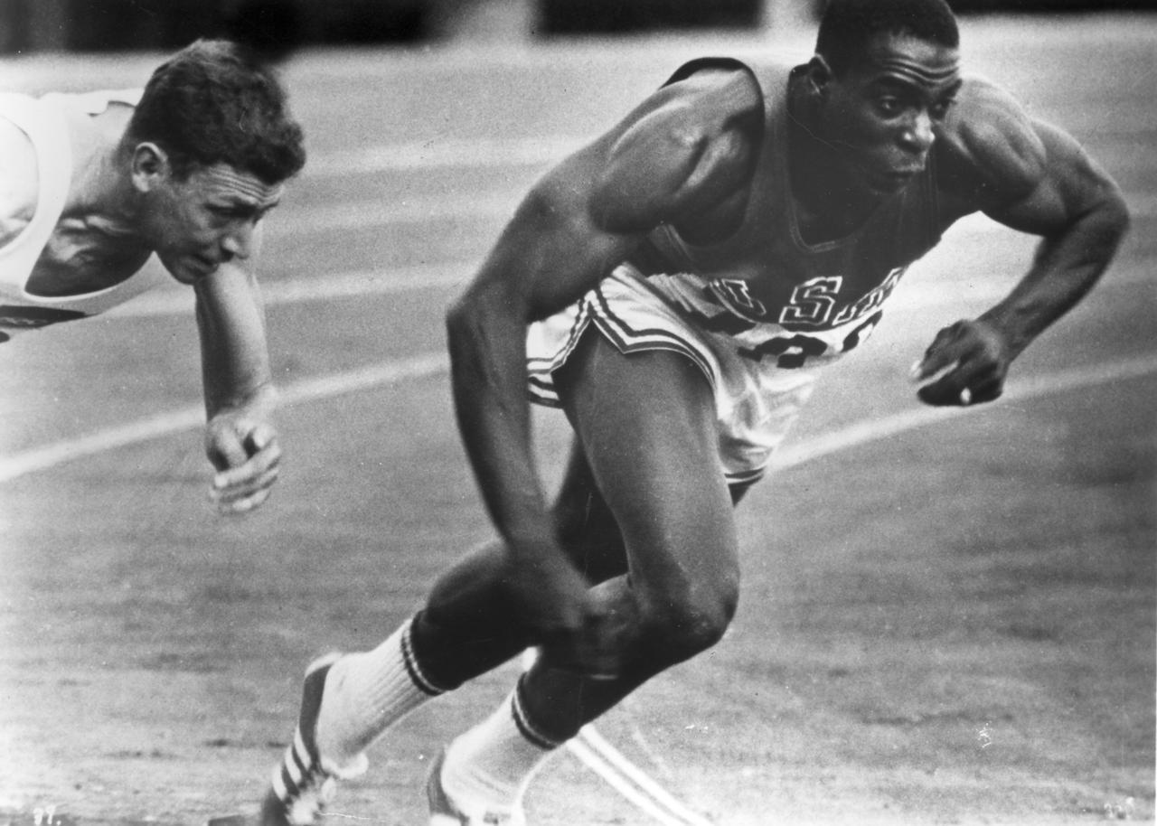画像: Runner © Organizing Committee for the Games of the XVIII Olympiad; 1964 Toho Co., Ltd.