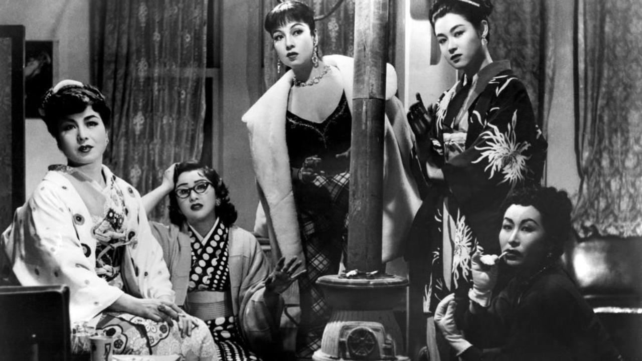 画像: (From left) Mimasu Aiko,Kogure Michiyo, Machiko,Kyo, Ayako Wakao, Hiroko Machida © 1955 KADOKAWA