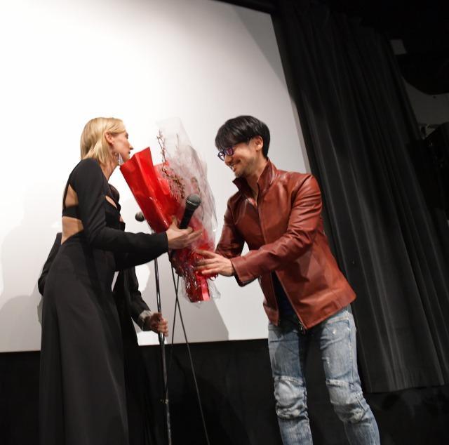 画像: (左 )ダイアン・クルーガー (右)ゲームクリエイター小島秀夫