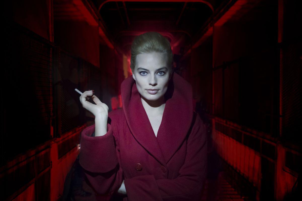 画像1: Margot Robbie is a cold-blooded neo-noir killer in the Terminal trailer: Watch