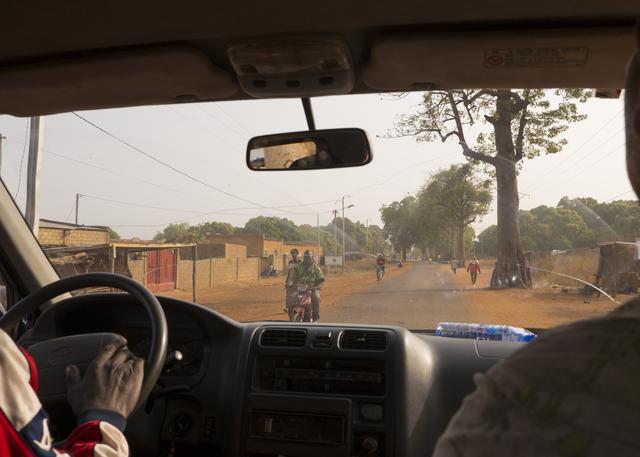 画像: 幹線道路を南下
