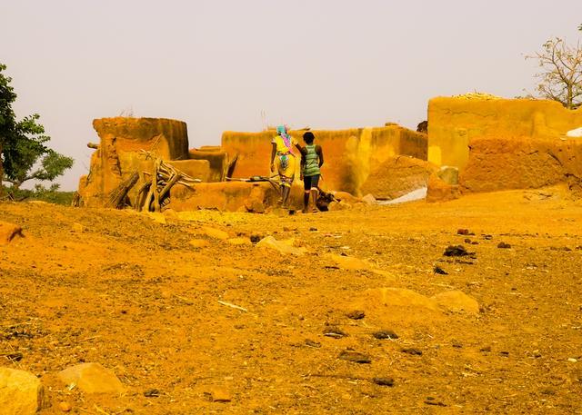 画像: 村人が暮らす家
