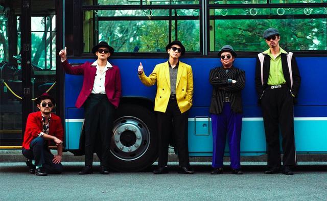 画像: 帽子にサングラスとファンキーな装いの岩田剛典や池松壮亮ら5人の男たち ©2018 CINEMA FIGHTERS