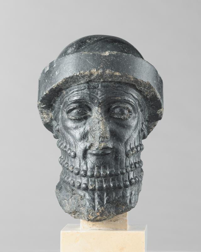 画像: 《王の頭部》、通称《ハンムラビ王の頭部》 バビロン第1王朝、前1840年頃 イラン、スーサ出土 Photo © Musée du Louvre, Dist. RMN-Grand Palais / Raphaël Chipault /distributed by AMF-DNPartcom