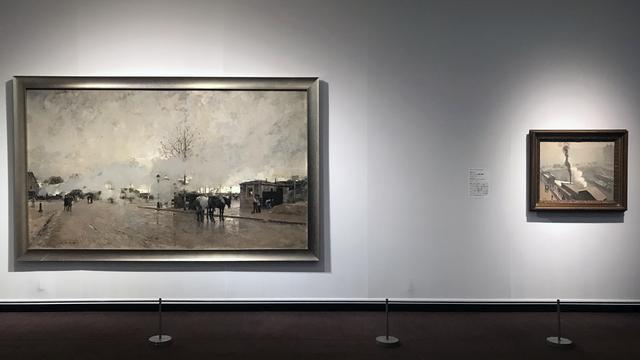 画像: 左:ルイジ・ロワール 《パリ環状鉄道の煙(パリ郊外)》 1885年、右:アルベール・マルケ 《冬のパリ、サン= ミシェル橋の眺め》 1908年頃 photo©moichisaito