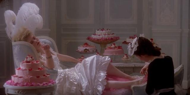 画像2: 「パンがないならお菓子を食べればいいじゃない」