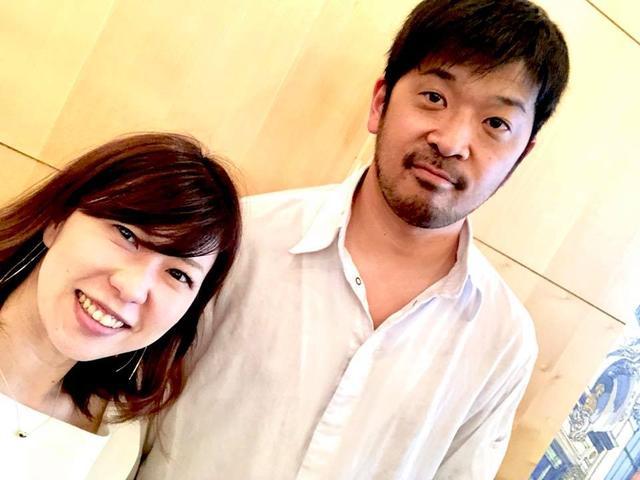 画像: 筆者と松嶋啓介シェフ