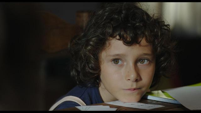 """画像3: 実話から生まれた少女映画の名作誕生!! 小さな子どもから少女へと至る、人生でもっとも異質な時間。 幼き心がはじめて生と死に触れる""""特別な夏""""を瑞々しく描く、心揺さぶる記憶のフィルム。"""
